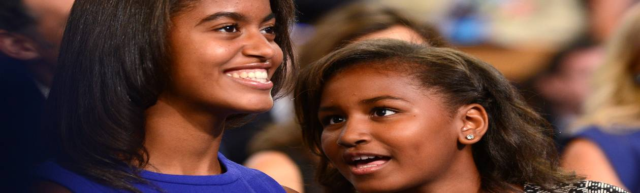 """Malia e Sasha: pais veem trabalho como """"formador de caráter"""" Foto: ROBYN BECK / AFP"""