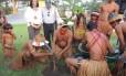 Índios Pataxó fizeram o plantio das primeiras mudas do projeto Gol Verde