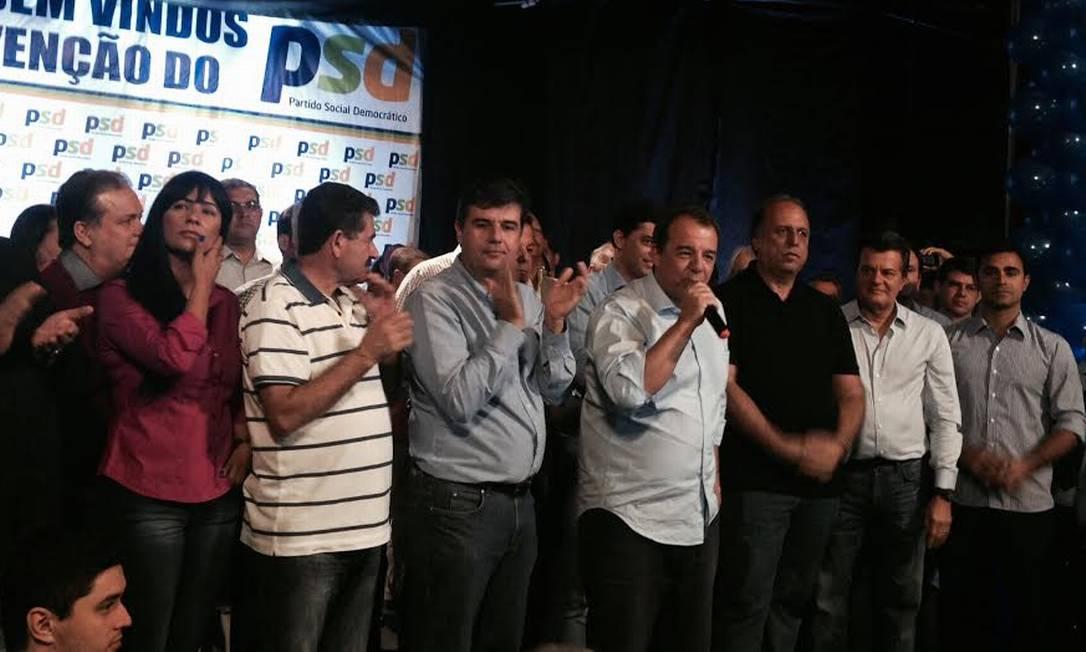 Candidato ao Senado, Cabral discursou na convenção do PSD fluminense, ao lado de Paes, Pezão, Indio da Costa e André Corrêa Foto: Leticia Fernandes /