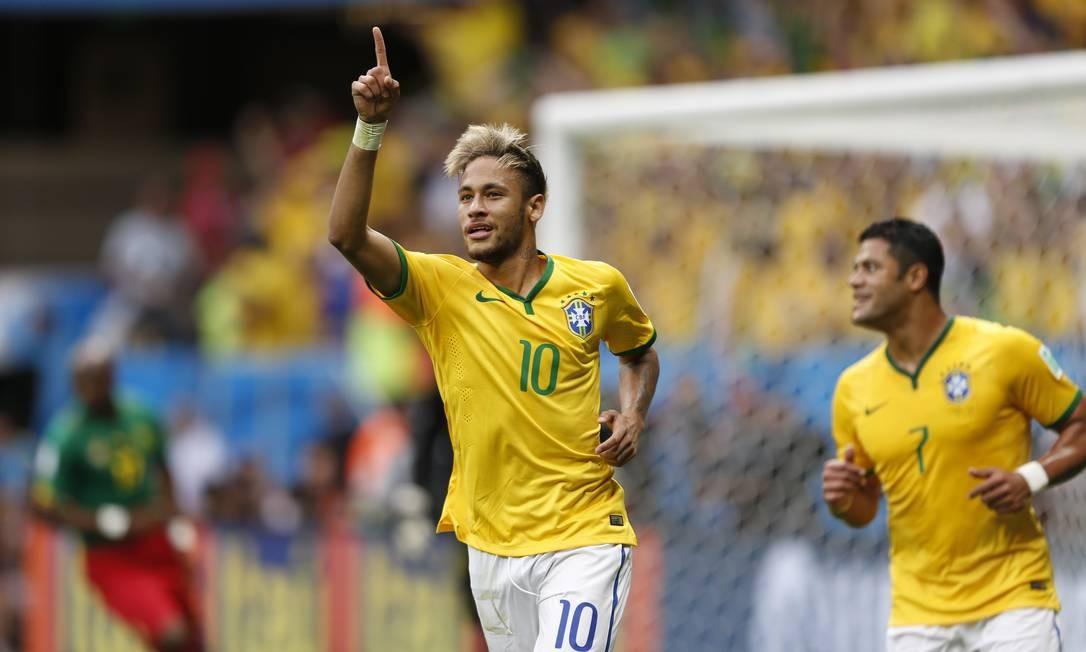 O nosso Neymar, que já saiu da Copa, também fez 4 gols em seu primeiro Mundial. Dois deles contra Camarões, e outros dois na estreia, diante da Croácia Alexandre Cassiano / Agência O Globo