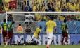 Fernandinho comemora o quarto gol brasileiro: volante entrou no segundo tempo e teve boa atuação
