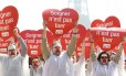 Manifestantes contra eutanásia protestam em Paris