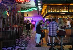 O restaurante mexicano Antojito's, na CityWalk do Universal Orlando Resort, tem bar de tequilas Foto: Fernanda Dutra / O Globo