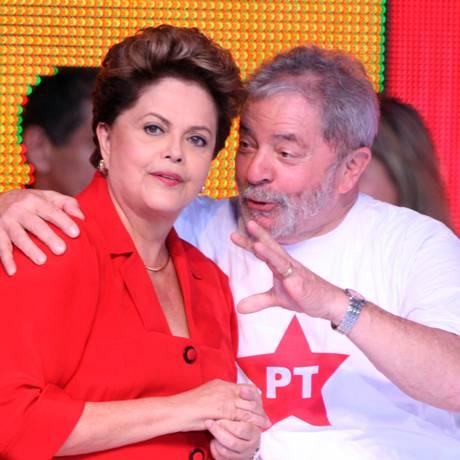 Dilma e Lula na Convenção Nacional do PT, realizada no fim de semana: decisões do partido seriam tomadas sem ouvir a militância Foto: Givaldo Barbosa/21-06-2014 / Agência O Globo
