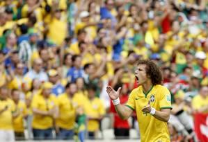 Brasil é celeiro de talentos como David Luiz. Negócios, no entanto, deixam a desejar Foto: Ivo Gonzalez / O Globo