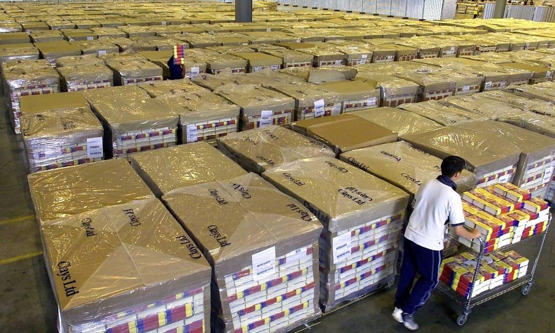 A gigante do comércio online, que domina a venda de livros pela internet no país, sofreu um revés com a decisão do Parlamento francês Foto: AP/18-06-2003