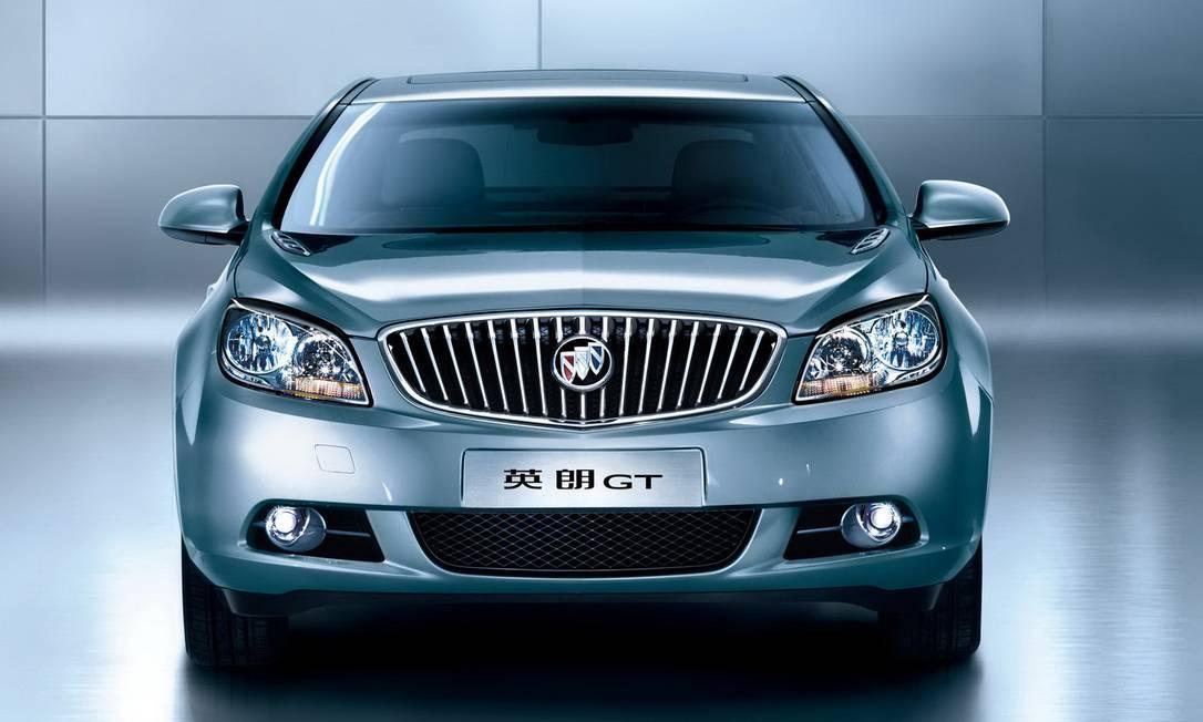 O Buick fabricado na China, em 2012, está incluído no recall por problemas no farol Foto: / Reprodução