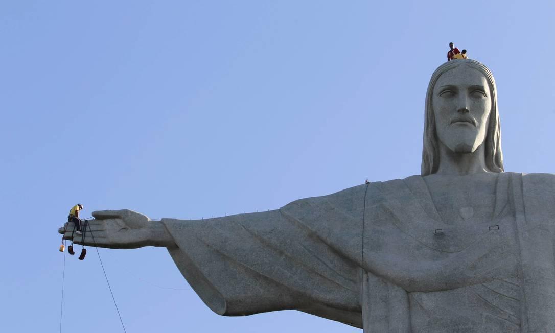 RI Rio de Janeiro (RJ) 27/06/2014 Copa do mundo turistas do mundo inteiro visitando o Cristo Redentor. Foto Domingos Peixoto / agência o Globo Foto: Domingos Peixoto / Agência O Globo