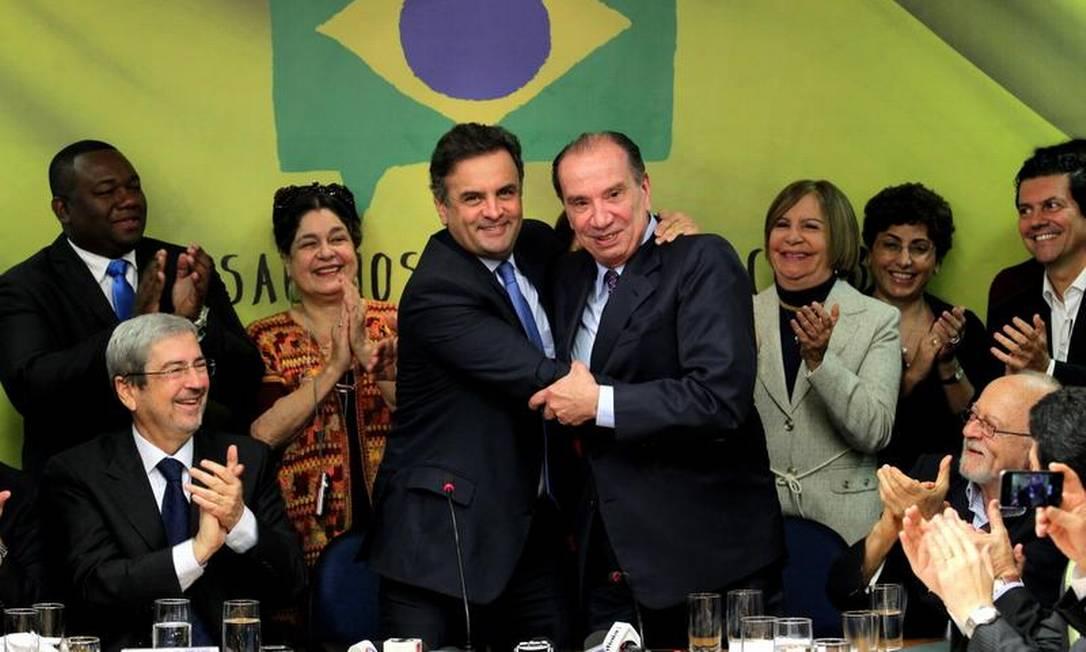 Aécio e Aloysio confirmam chapa tucana para a Presidência Foto: Ailton de Freitas / O Globo