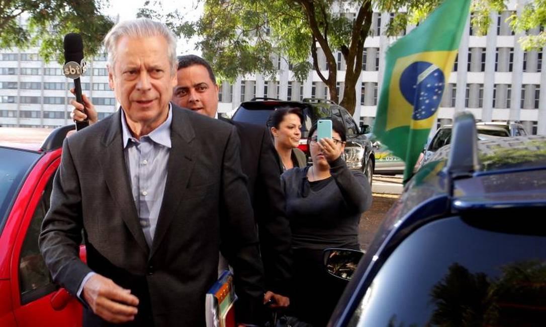 Dirceu deverá trabalhar das 9 às 18 horas, com direito a duas horas de almoço Foto: Ailton de Freitas / O Globo