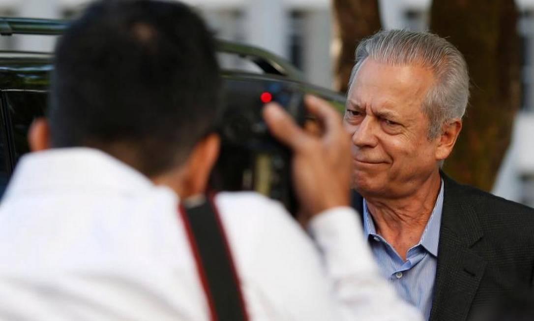 Ex-ministro terá como atribuição organizar biblioteca de escritório Foto: Ailton de Freitas / O Globo