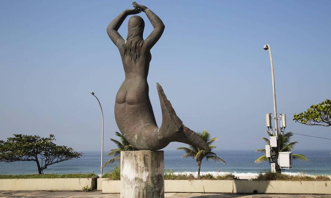 """A escultura de """"Sereia"""", do Alfredo Ceschiatti acabou virando um símbolo do hotel Ana Branco / Agência O Globo"""