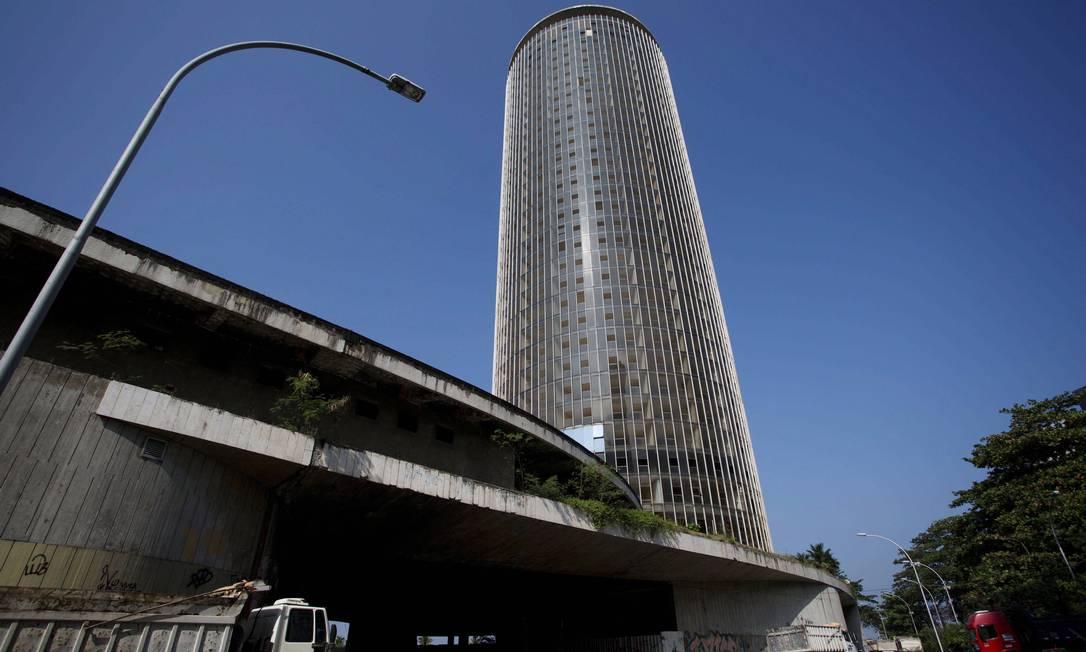 O Hotel Nacional, após 17 anos, passou nos últimos três meses por um processo retirada do entulho que estava dentro do prédio Ana Branco / Agência O Globo