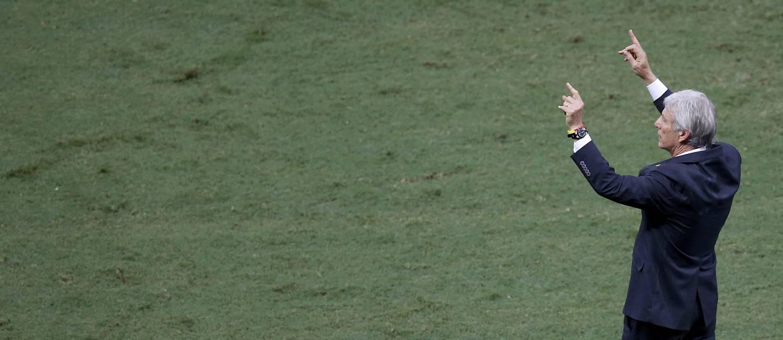 O argentino Jose Pekerman, técnico da Colômbia: dificuldades desde o início contra a seleção brasileira Foto: LEONHARD FOEGER / REUTERS