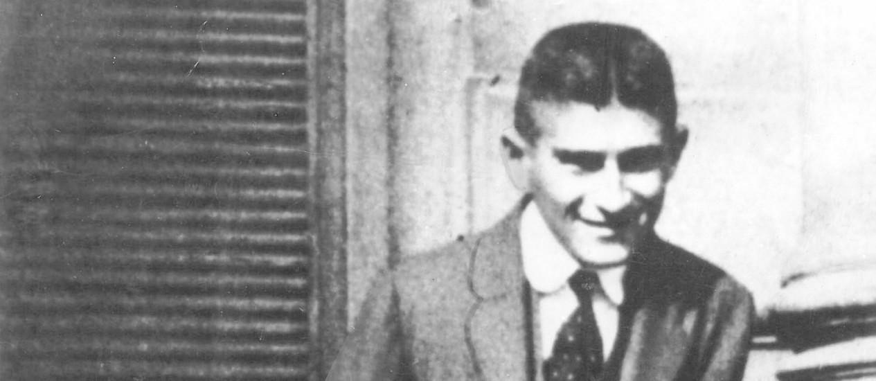Franz Kafka na sua cidade natal, Praga, em 1914: neste ano, a primeira tentativa de emigrar para Berlim foi frustrada pela Primeira Guerra Foto: Divulgação / S.Fischer Verlag