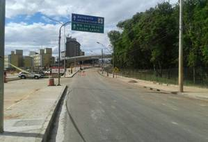 Após demolição e remoção dos escombros na Avenida Dom Pedro I, na Pampulha, em Minas, só sobrou uma alça da obra Foto: Ezequiel Fagundes
