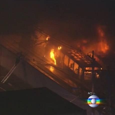 Incêndio de ônibus na Zona Sul de São Paulo Foto: Reprodução/SPTV