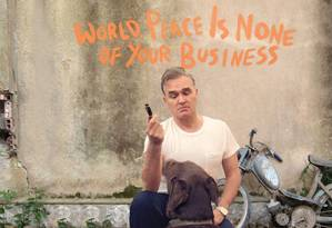 Capa do CD 'World peace is none of your business', do cantor Morrissey Foto: Reprodução