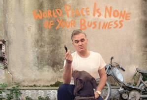 Capa do CD 'World peace is none of your business', do cantor Morrissey Foto: Reprodução
