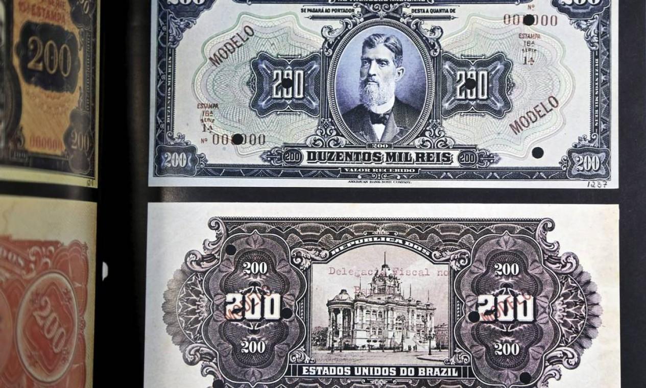 A nota de 200 mil Réis, com o Palácio Monroe representado Foto: Fabio Rossi / Agência O Globo