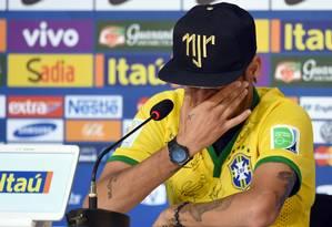 Neymar chorou ao falar sobre a possibilidade de estar em uma cadeira de rodas Foto: VANDERLEI ALMEIDA / AFP