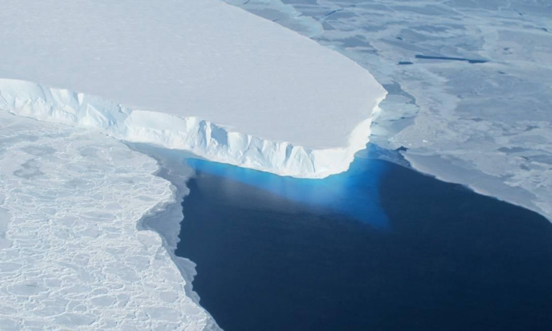 Aquecimento global pode provocar fim de geleiras no Ártico Foto: AFP / AFP
