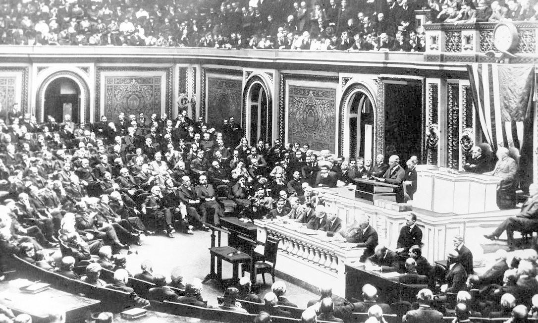O mesmo Congresso americano onde o presidente Woodrow Wilson expôs seus '14 pontos' para a paz rejeitou depois a adesão dos Estados Unidos à Liga das Nações Foto: / AP