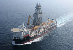Navio-plataforma que vai operar na Costa da África: dúvidas sobre o negócio Foto: Petrobras/Divulgação