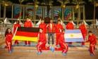 Os escolhidos para a missão das bandeiras Foto: DIVULGAÇÃO/COCA-COLA