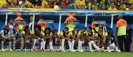 Jogadores da seleção brasileira no jogo de despedida da equipe na Copa de 2014, contra a Holanda Foto: Jorge William / Agência O Globo