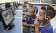 Alunos da Escola Estadual Hermínia Calda, em Caxias, usam computadores no laboratório de informática: espaço ainda concentra o uso da tecnologia nas escolas