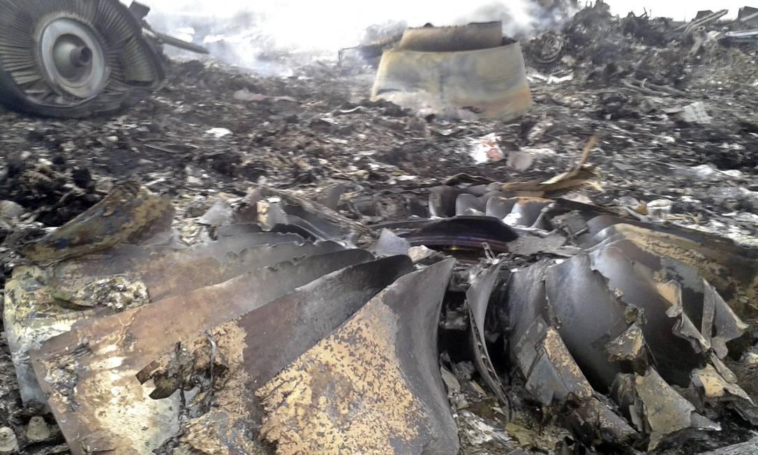 Local da queda do voo MH17 perto de Donetsk, no Leste da Ucrânia Foto: MAXIM ZMEYEV / REUTERS