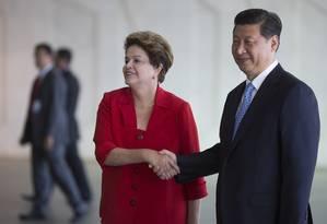 A presidente Dilma e o presidente da China, Xi Jinping, em encontro no Palácio do Itamaraty Foto: Felipe Dana / AP