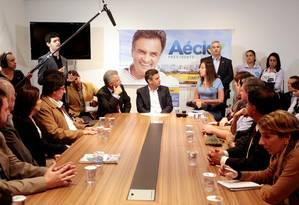 Candidato à Presidência, Aécio participou de encontro com a deputada federal Mara Gabrilli nesta terça-feira Foto: Divulgação