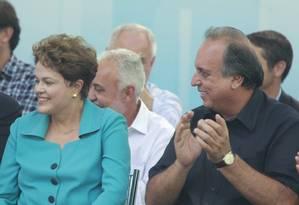 Dilma antecipa visita a Baixada Fluminense para conter crescimento de Aécio na região Foto: Domingos Peixoto/01-05-2014 / Agência O Globo