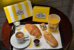 O café da manhã de Paris (R$ 17,90) da Boulangerie Guerin, em Copacabana Foto: Cecilia Acioli/ O Globo