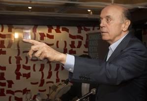 Serrá diz que crescimento de Aécio é uma 'tendência' Foto: Antonio Scorza / Agência O Globo
