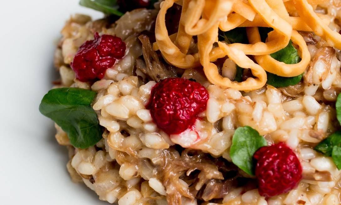 No Riso Bistrô, a novidade é o risoto de rabada, agrião e frutas vermelhas Foto: Divulgação / Thomas Rangel