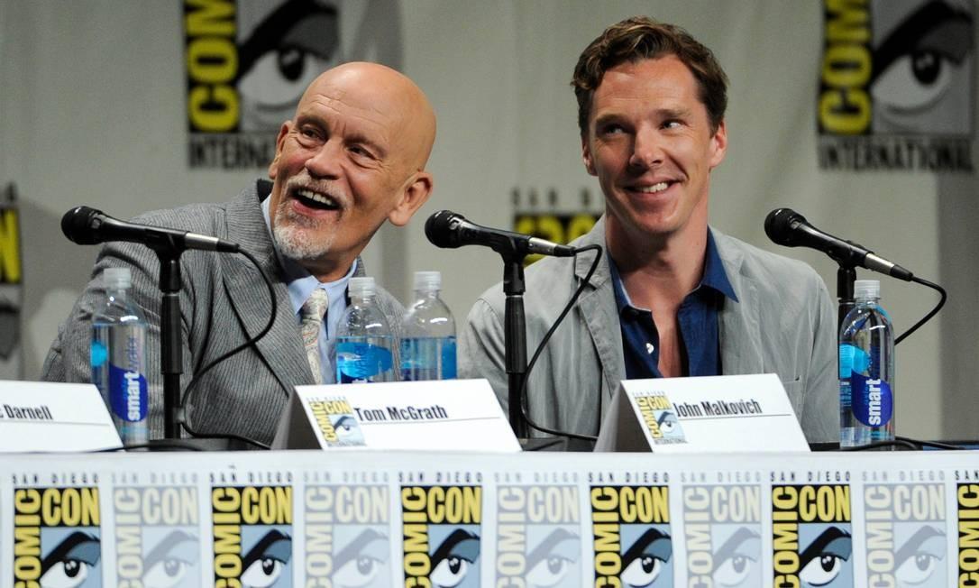John Malkovich e Benedict Cumberbatch no painel da Dreamworks na Comic-Con Foto: / Chris Pizzello/Invision/AP