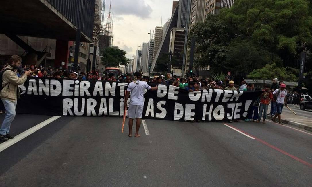 Manifestantes fecham a Avenida Paulista Foto: CTI (Centro de Trabalho Indigenista) /