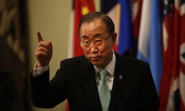 Secretário-geral da ONU, Ban Ki-moon fala a jornalistas na sede da organização, em Nova York Foto: SPENCER PLATT / AFP
