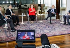 Dilma em sabatina nesta segunda-feira: no debate desta terça, técnicos do governo são orientados a estudar temas de encontro dos candidatos Foto: Ichiro Guerra / Divulgação