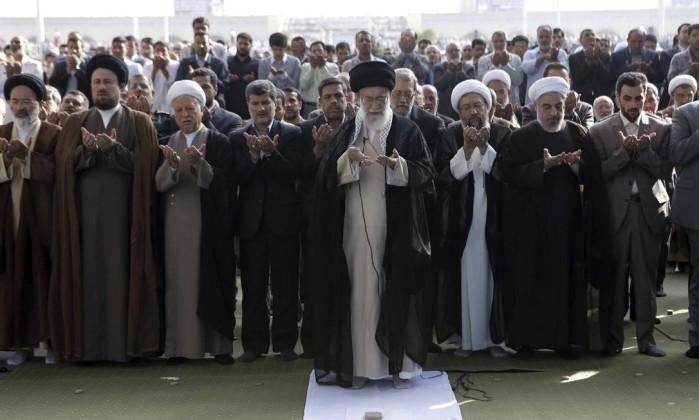 Líder supremo do Irã convoca mundo islâmico a fornecer armas para os palestinos
