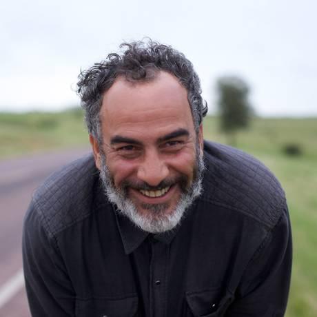 """Cao Guimarães: """"Juvenal é o representante da solidão analógica, Margô é a digital"""", diz o diretor sobre os personagens de seu filme. Foto: Divulgação"""