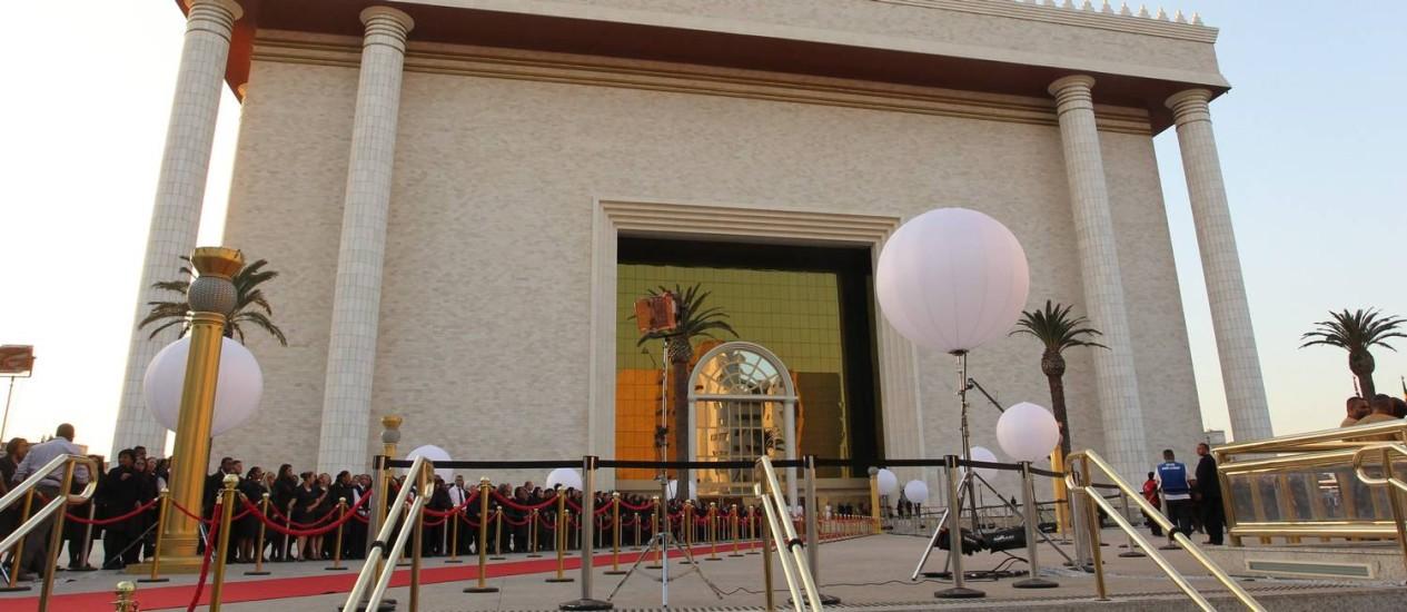 Inauguração templo de Salomão, da Igreja Universão do Reino de Deus: picos de energia atrapalhou a recepção de autoridades Foto: Marcos Alves / Agência O Globo