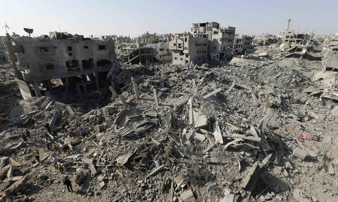 Cenário de destruição em Shejaia, na Faixa de Gaza, alvo de bombardeio israelense Foto: MOHAMMED SALEM / REUTERS