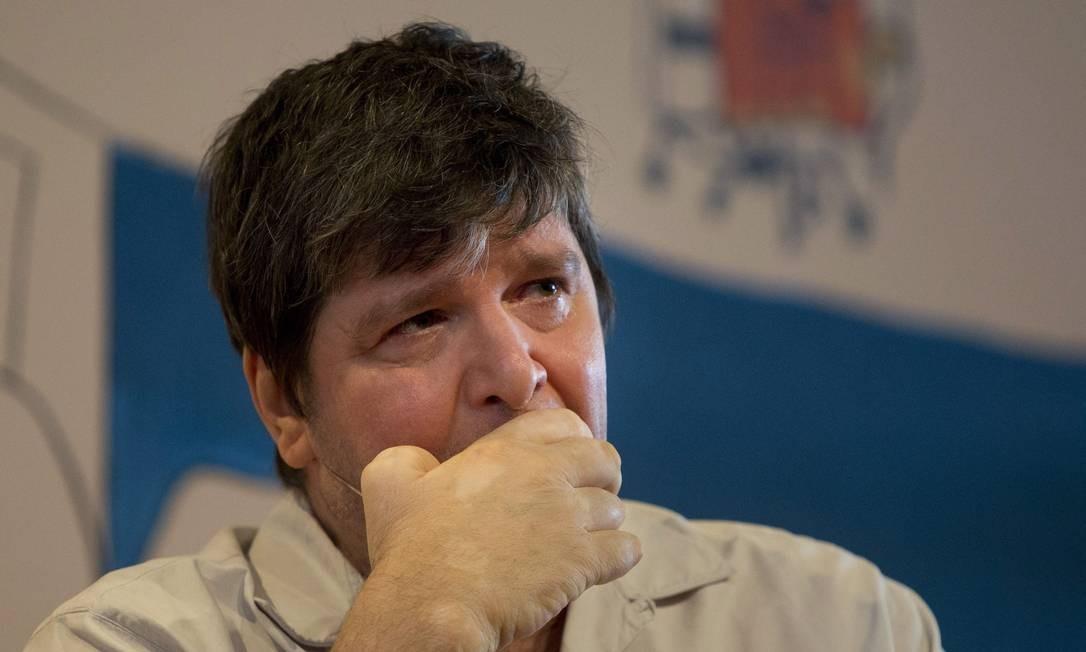 Marcelo Rubens Paiva se emociona ao falar do pai e é aplaudido de pé em Paraty Foto: Márcia Foletto / Agência O Globo