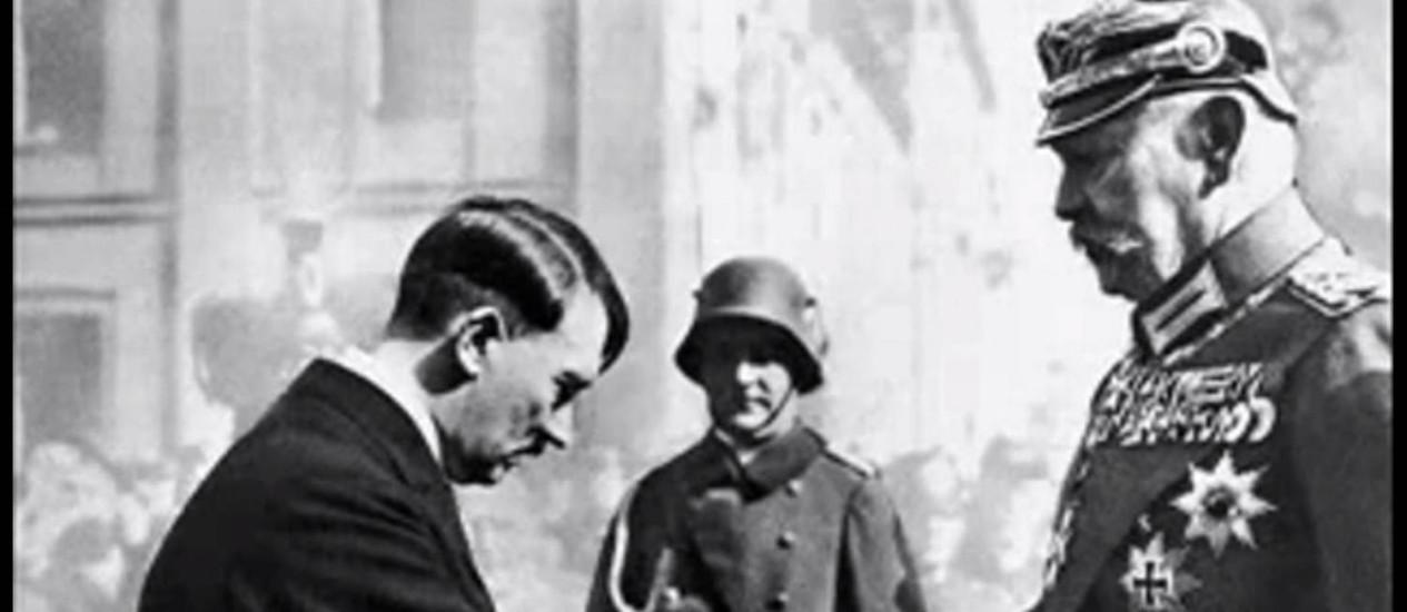 Resultado de imagem para JOGADORES SIMBOLOS NAZISTAS
