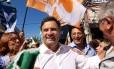 Aécio Neves, candidato do PSDB à presidência, fez críticas à condução da economia durante campanha em São José dos Campos, SP