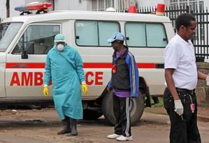 Segundo o diretor do Instituto Nacional de Alergia e Doenças Infecciosas, Anthony Fauxi, há um número escasso de doses Foto: Youssouf Bah / AP